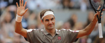 Roger Federer made a winning return to the French Open this afternoon.