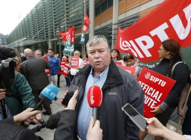 SIPTU's Paul Bell speaks outside the Mater Hospital in Dublin earlier today.