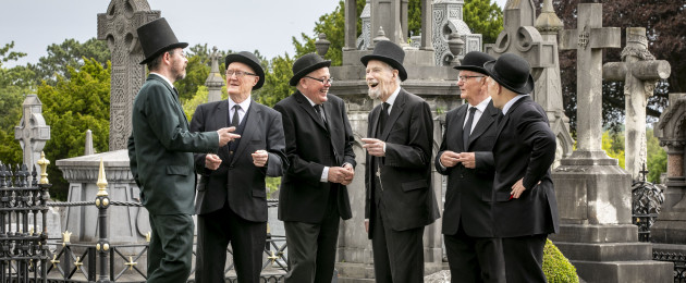 Members of the Joyce Stagers enjoying the Bloomsday celebrations this morning in Glasnevin Cemetery. The Joyce Stagers enacted