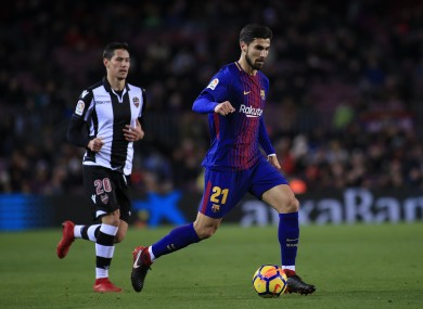 Andre Gomes in action for Barcelona in 2018.