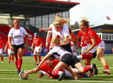 Chloe Pearse goes over for Munster.