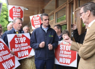 IFA President Joe Healy speaks to protesting farmers.