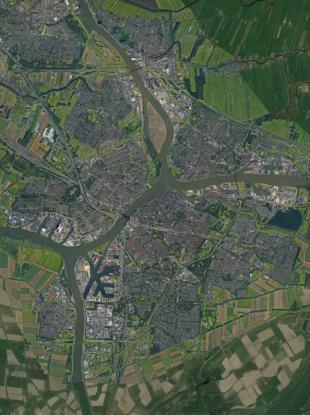 Dordrecht lies 25 kilometres southwest of Rotterdam