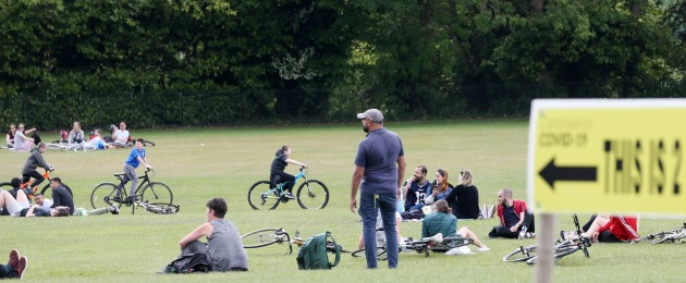 Sun-worshippers took to Phoenix Park today as the sunshine returned following weeks of rain.