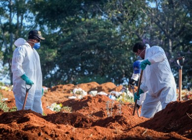 Cemetery workers at the Vila Formosa cemetery during the Covid-19 pandemic