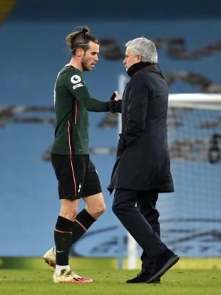 Gareth Bale with Jose Mourihno.