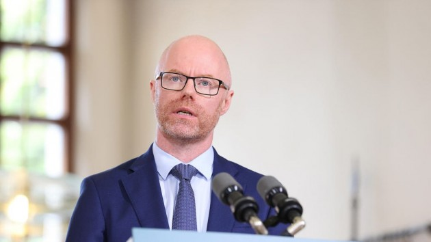Teachers and SNAs incorrectly given Covid vaccines due to reserve list error – Donnelly
