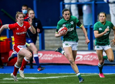 Hannah Tyrrell running in to score a try against Wales.