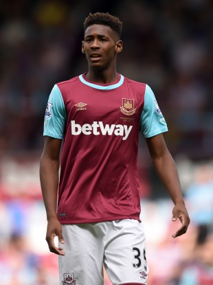 Reece Oxford pictured playing for West Ham in 2015.